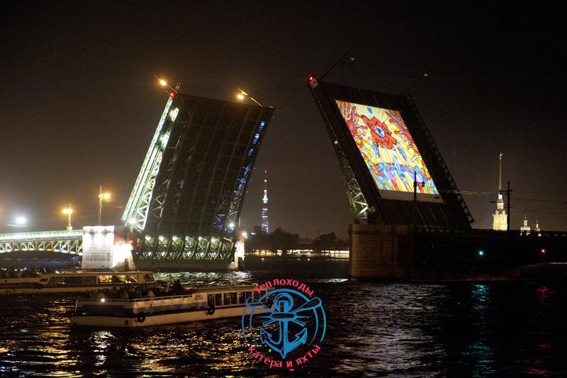 Необычное разведение мостовв Санкт-Петербурге