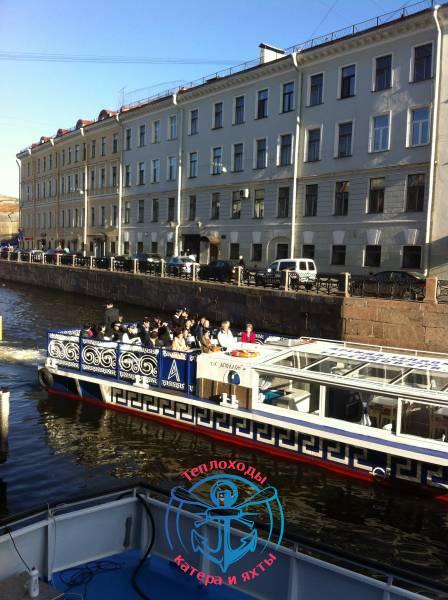Ли Сянь Лун на теплоходе в Санкт-Петербурге